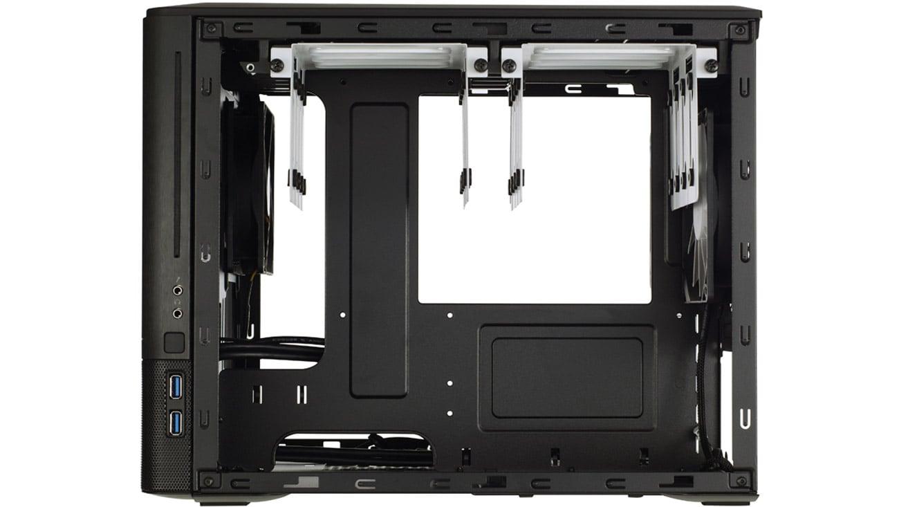 Fractal Design Node 804 - wnętrze