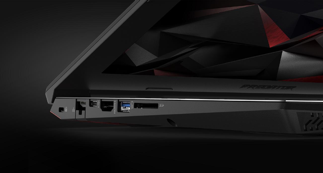 Acer Helios 300 metalowa obudowa