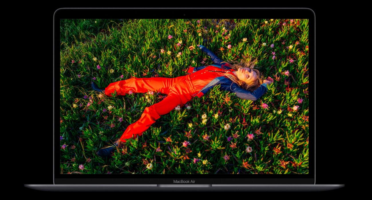 Ekran Retina, piękne kolory MacBook Air