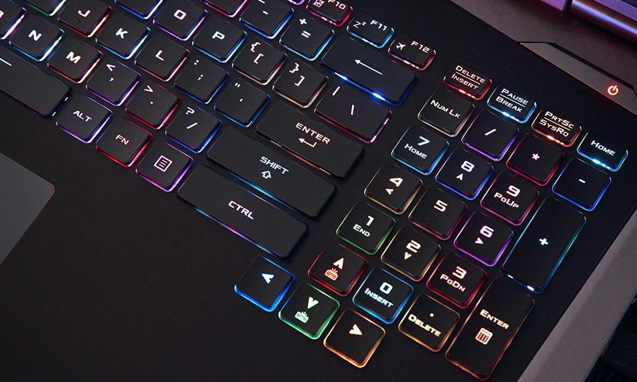 Asus ROG Strix G703GI podświetlane klawisze Aura RGB