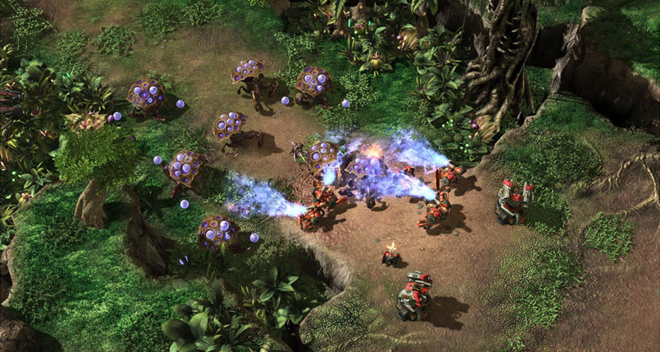 Blizzard Starcraft II: Heart of the Swarm nowa broń