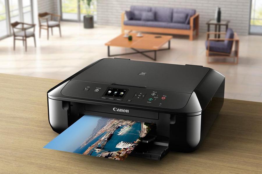 drukarka Canon na stole