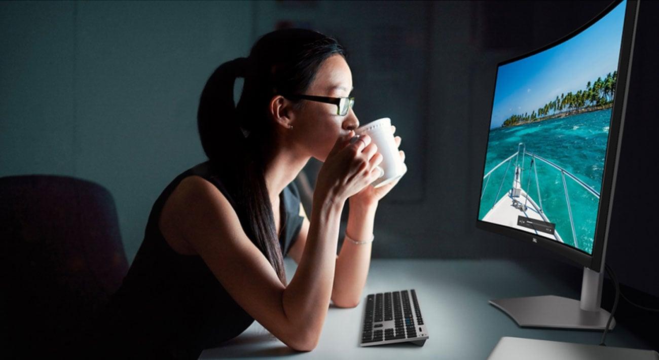 Monitor do domu i biura Dell S3221QS