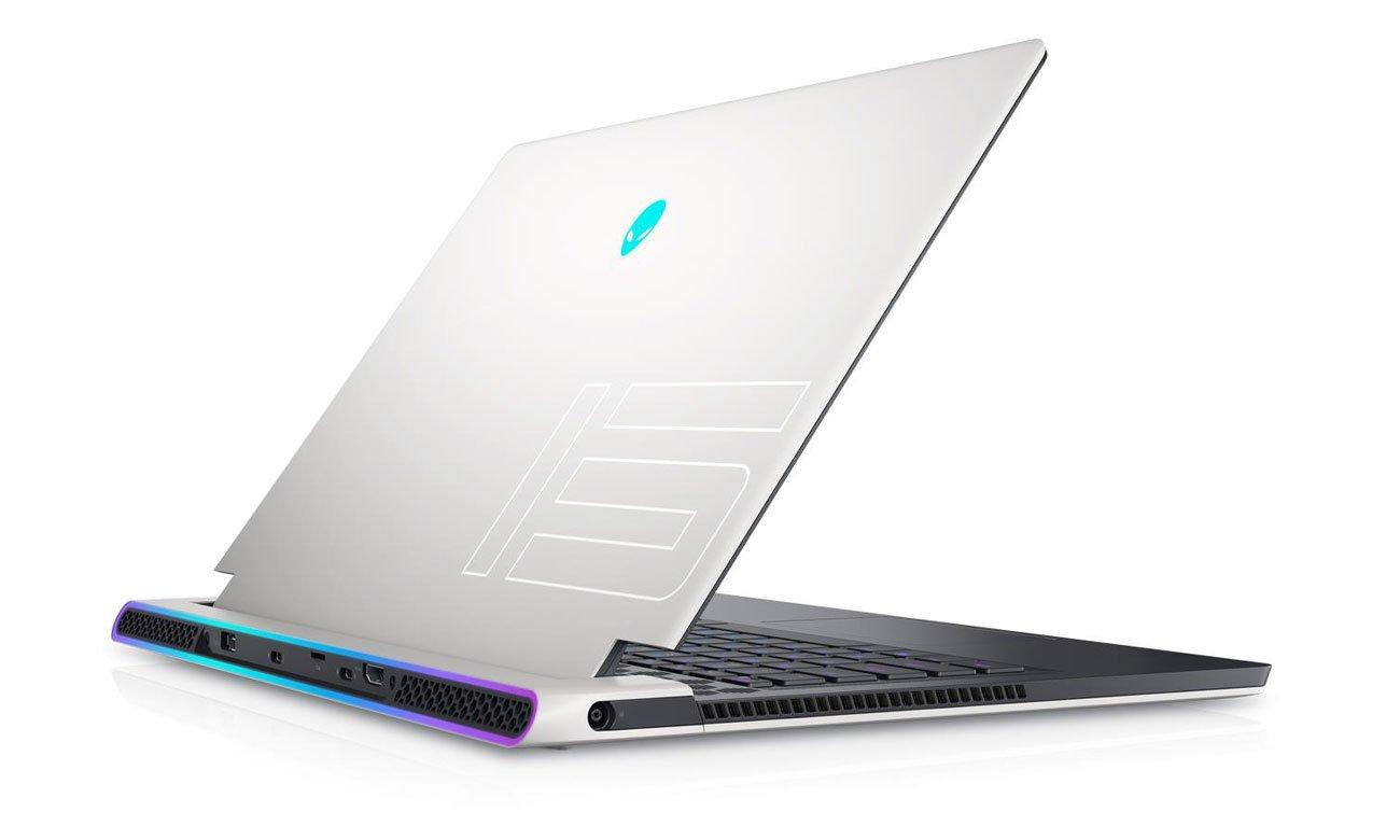 Dell Alienware x15 R1 pokrywa matrycy