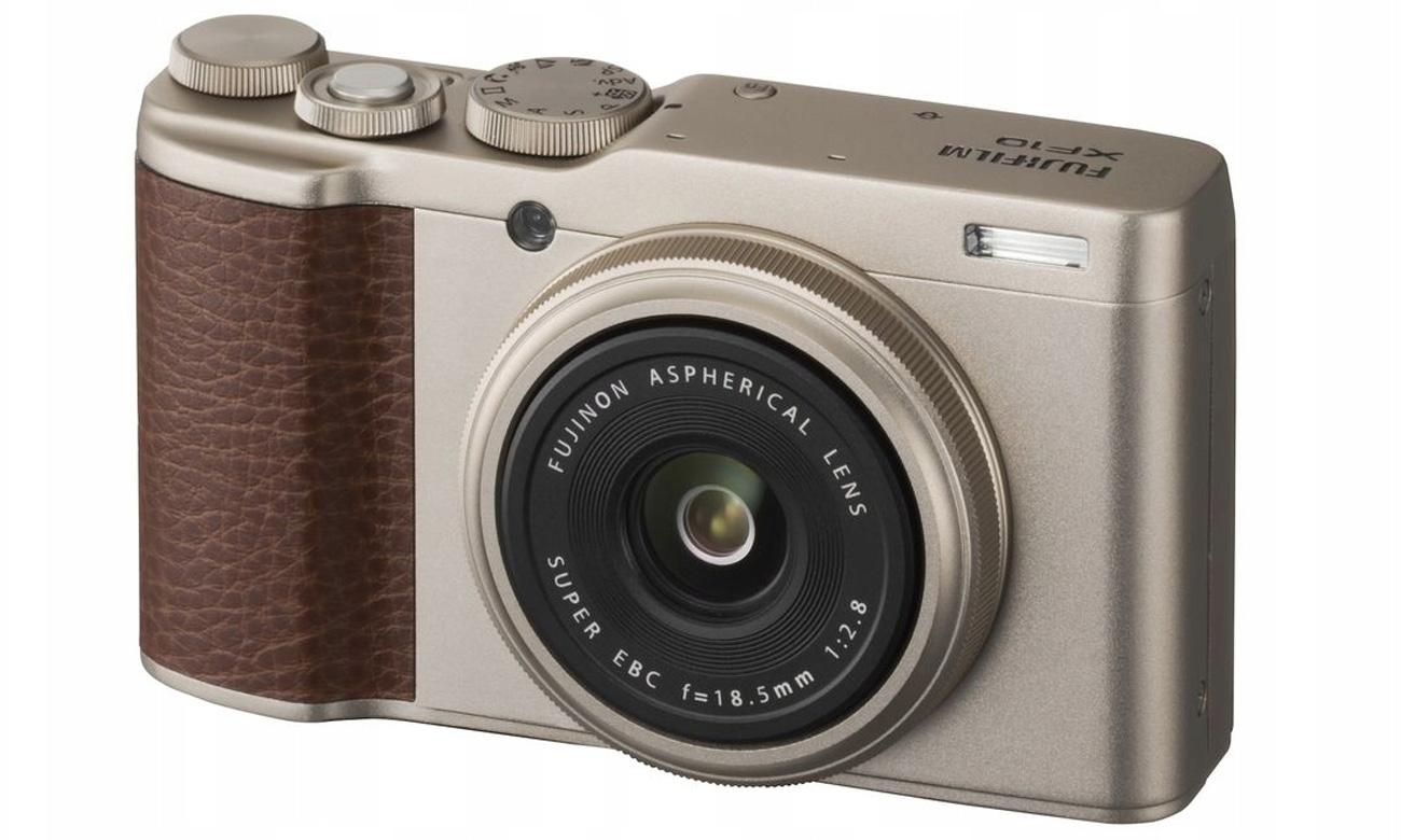 Fujifilm XF10 Widok ukośny