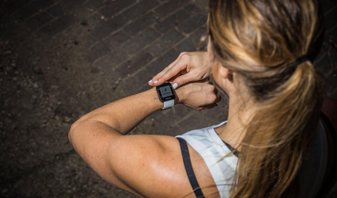 Zegarek sportowy Garmin Forerunner 35 Błękitny Powiadomienia