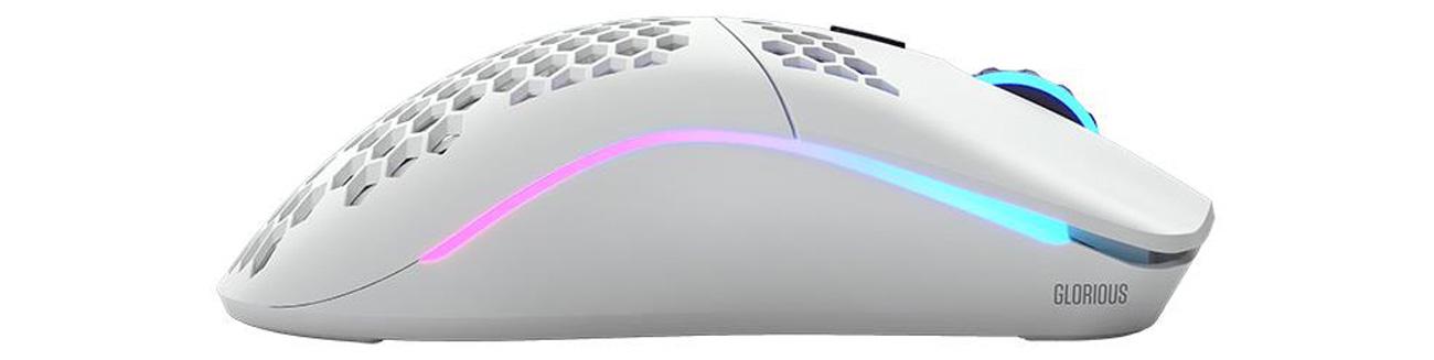 Programowalne przyciski i podświetlana obudowa