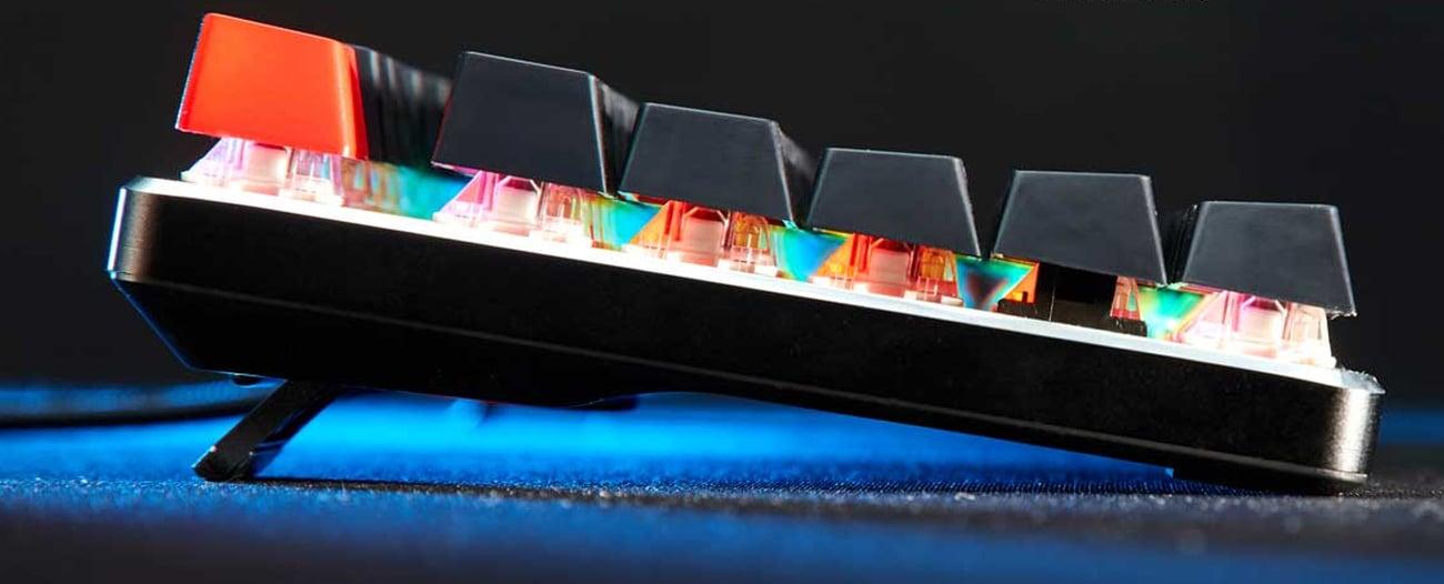 Graj i zwyciężaj z klawiaturą Glorious PC Gaming Race GMMK TKL