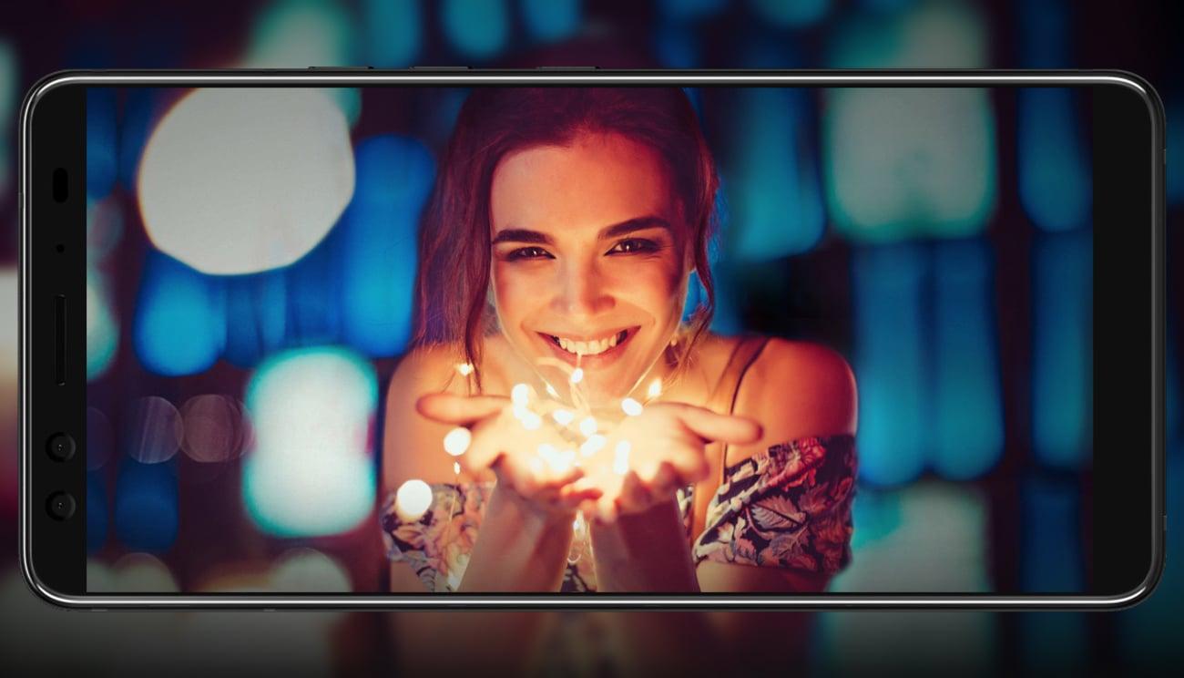 HTC U12+ aparat selfie 8 + 8 Mpix bokeh ar