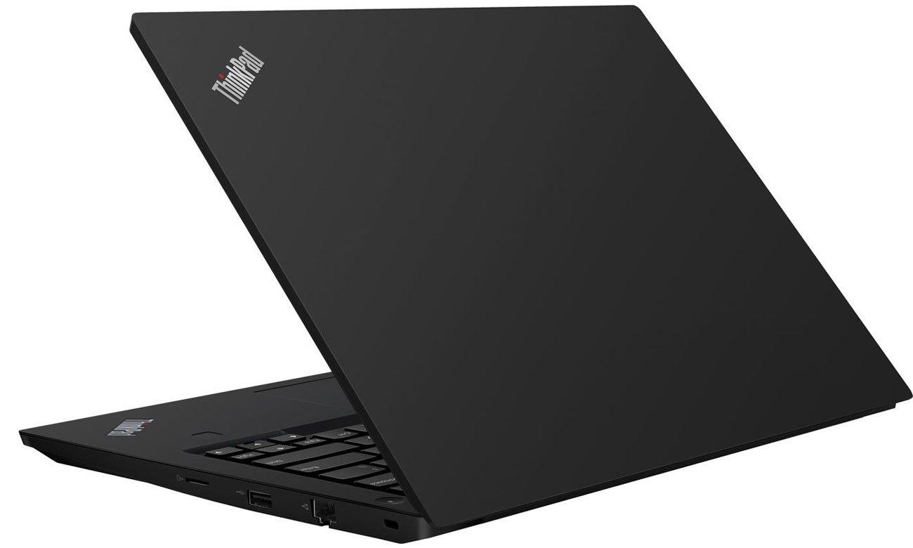 ThinkPad E495 wyróżnia się niezwykłą odpornością