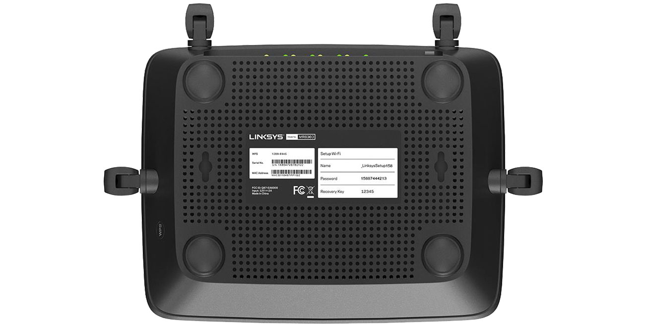 Linksys MR8300 - Widok od spodu