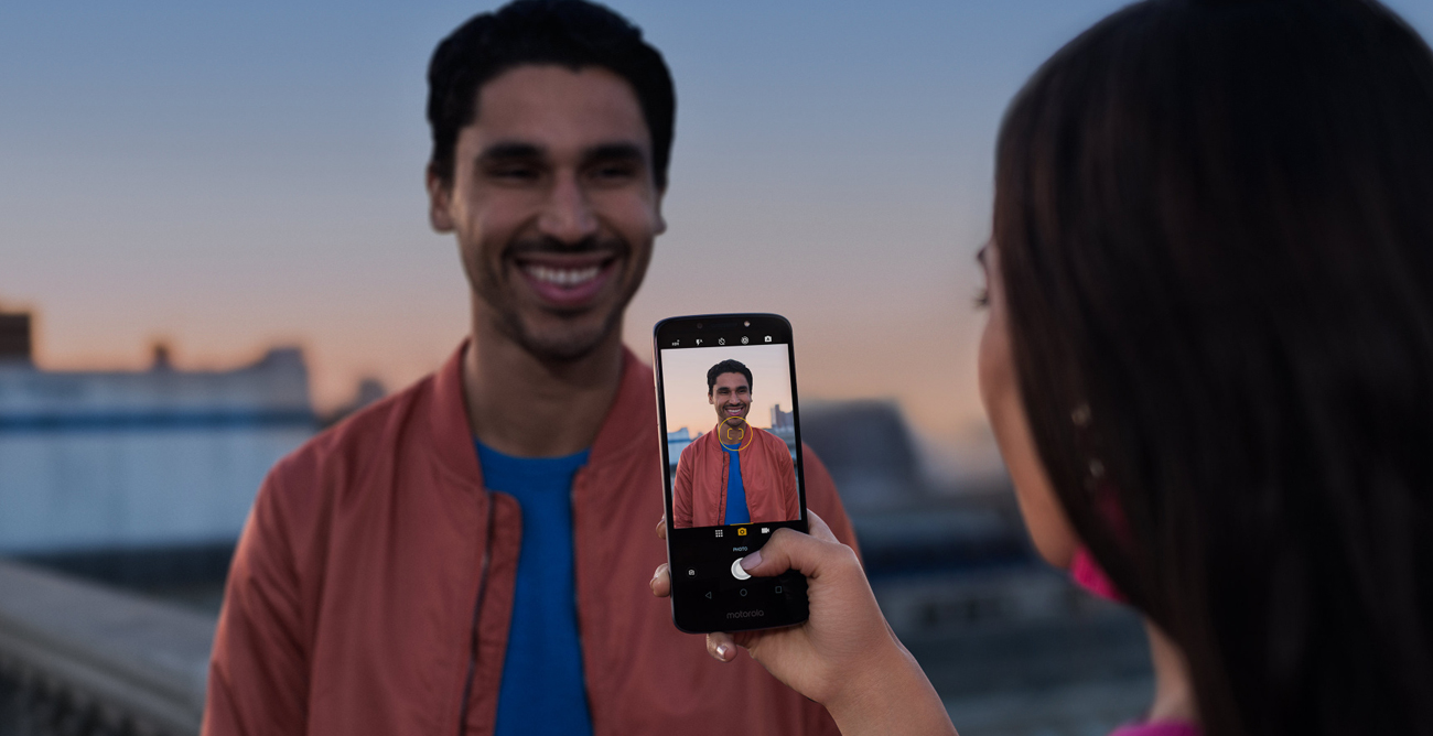 Motorola Moto E5 aparat 13 mpix pdaf hdr