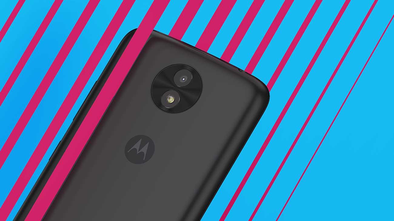 Motorola Moto C plus aparat 8 mpix dwie lampy błyskowe
