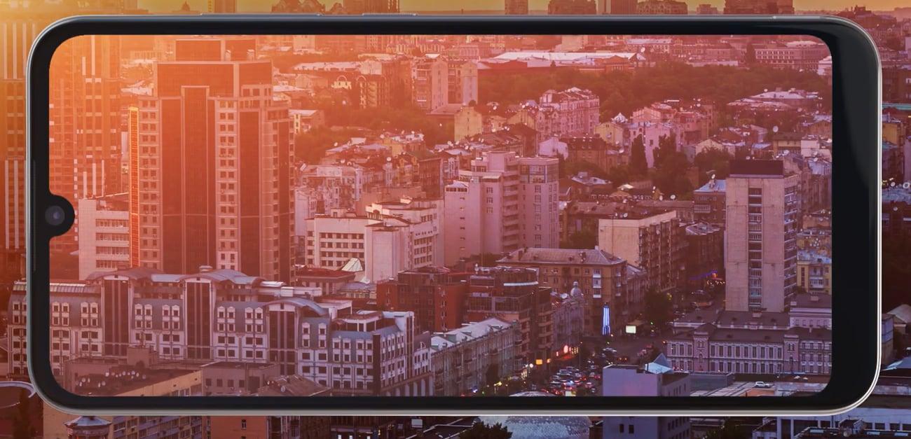 Motorola Moto E6 Plus panoramiczny ekran max vision