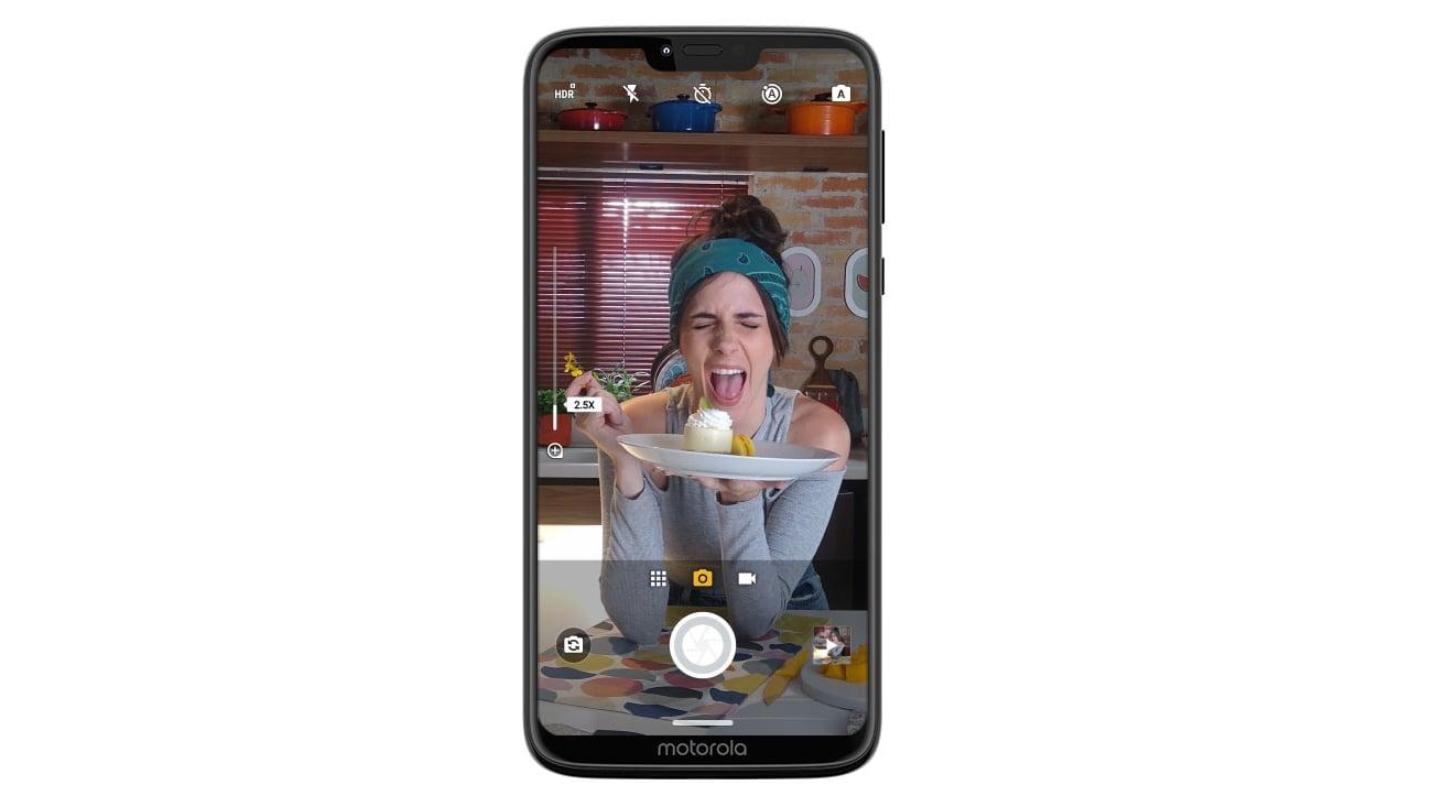 Motorola Moto G7 Power wykrywanie uśmiechu