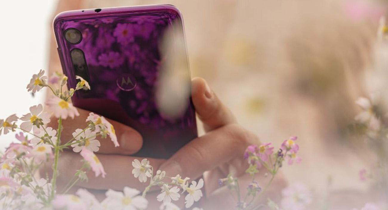 Motorola One Macro potrójny aparat z trybem macro