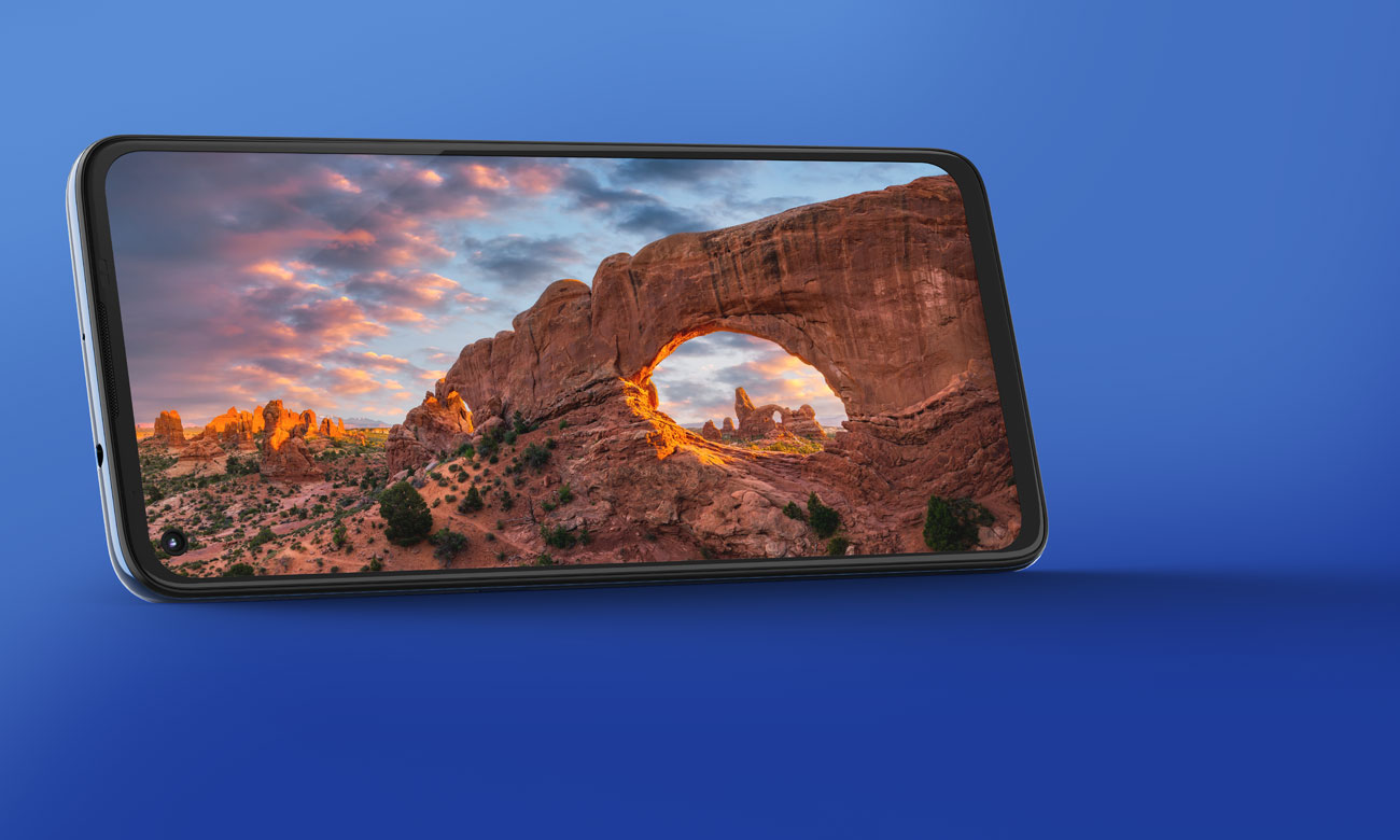 Das Smartphone mit 64 MP vierfach Kamerasystem und Qualcomm Snapdragon 730G Prozessor MOTOROLA Moto G9 Plus 4/128GB Navy Blue