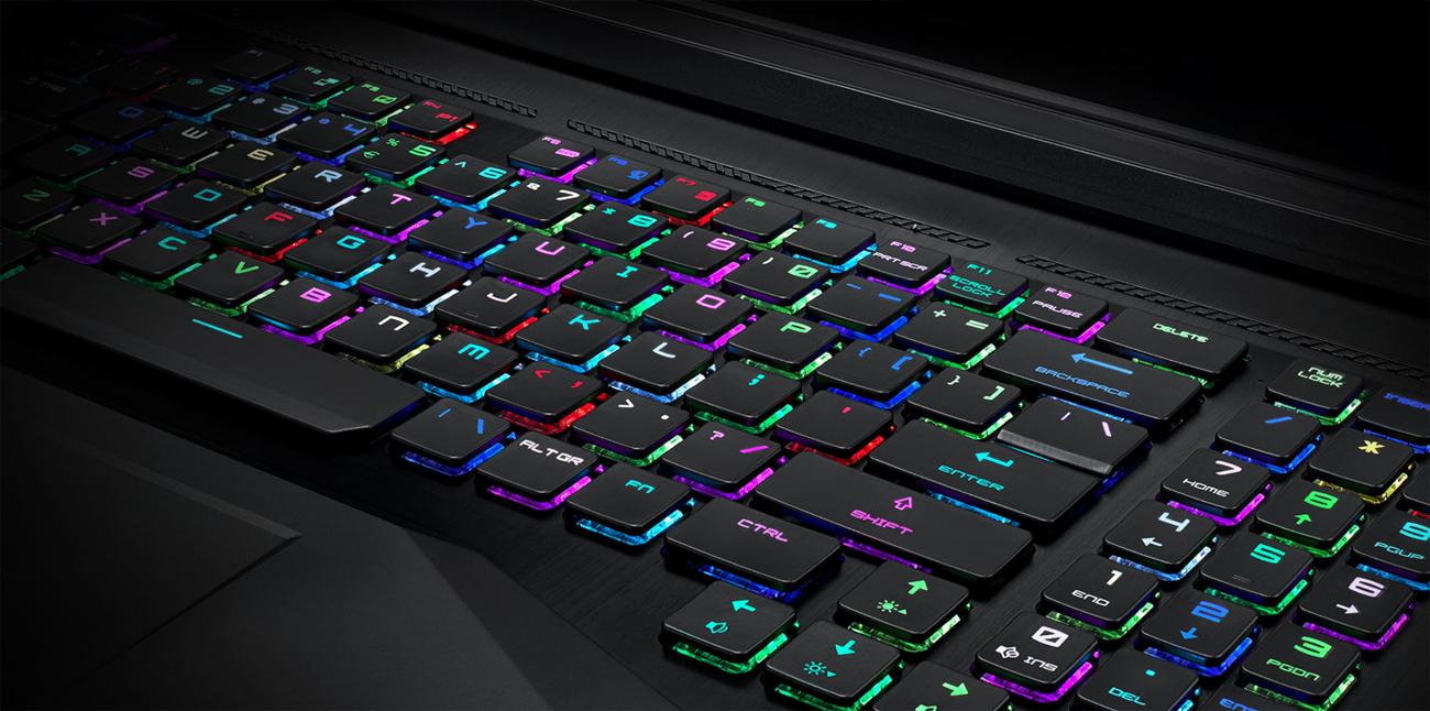 MSI Titan GT75 8SG Błyskawicznie działająca mechaniczna klawiatura SteelSeries