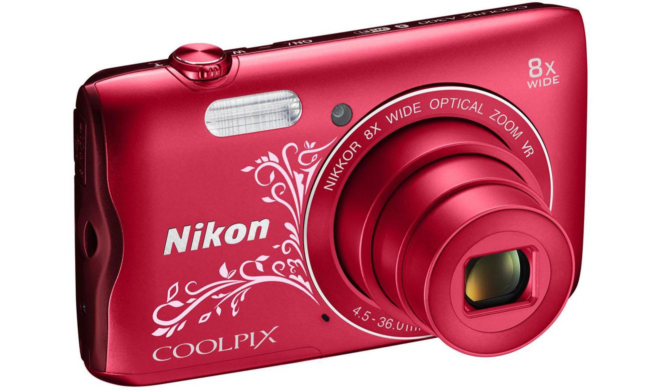 Aparat kompaktowy Nikon Coolpix A300 pod kątem