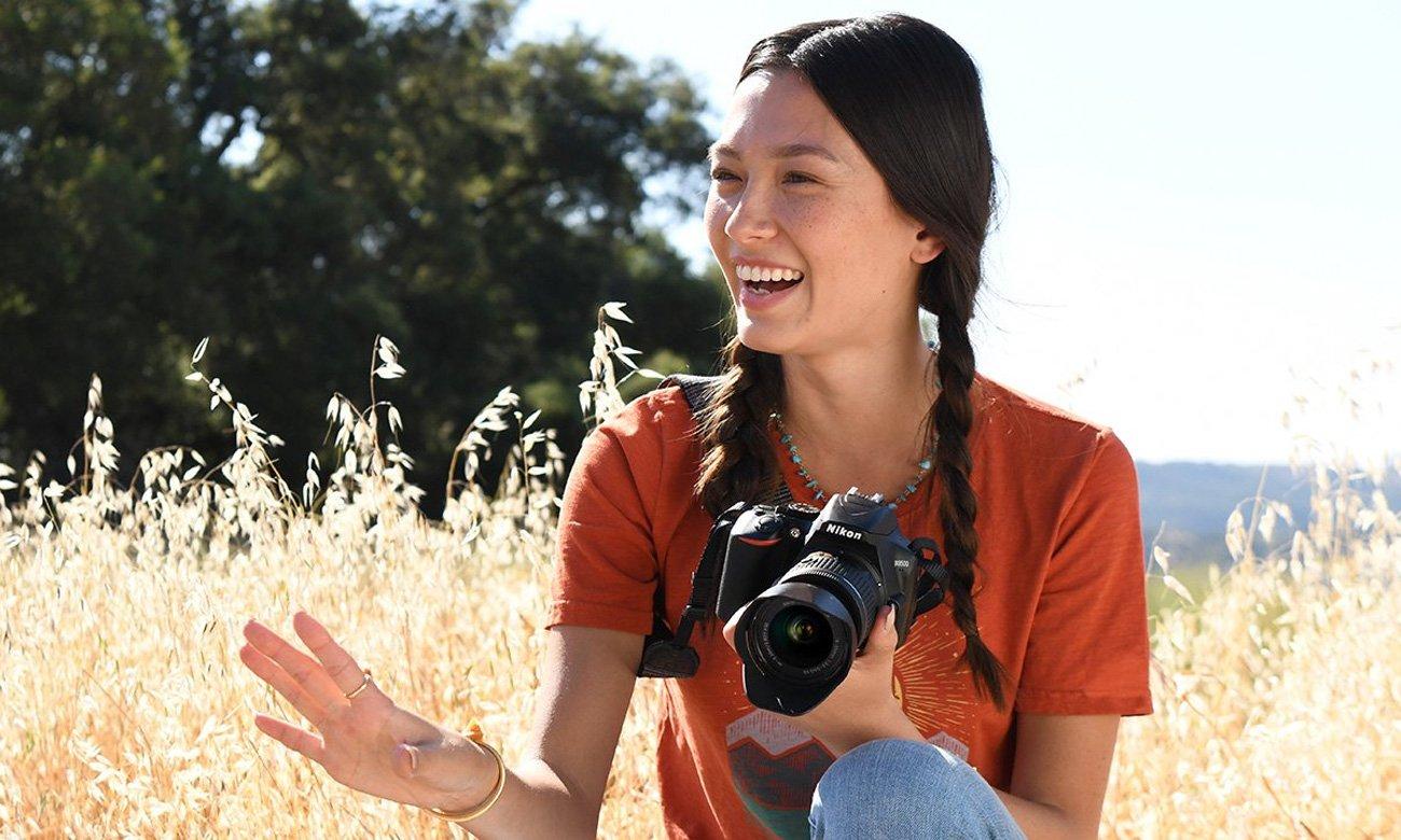 Kobieta Z Nikon D3500
