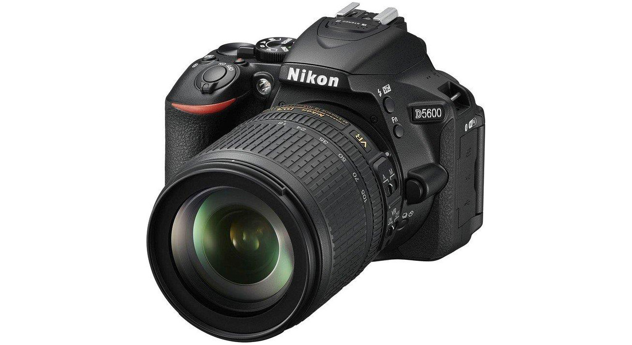 Lustrzanka Nikon D5600 + AF-P 18-105 VR VBA500K001