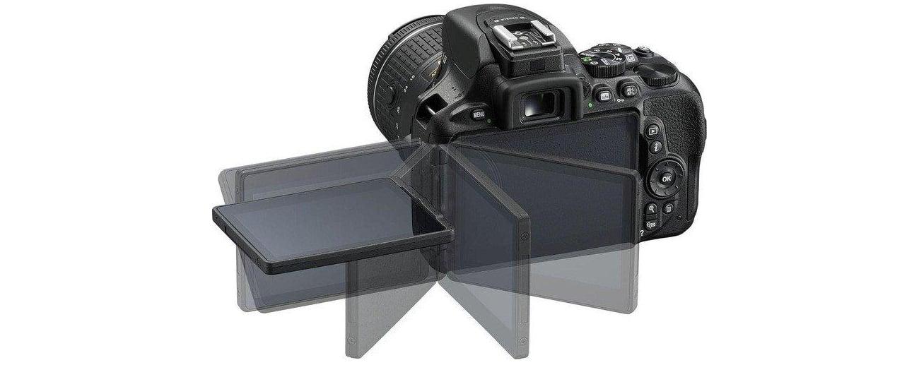 Lustrzanka Nikon D5600 + AF-P 18-105 VR dotykowy ekran LCD
