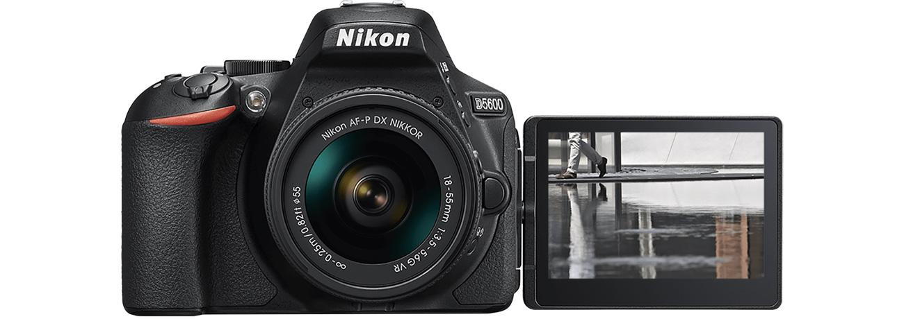 Lustrzanka Nikon D5600 + AF-P 18-55 VR dotykowy ekran LCD