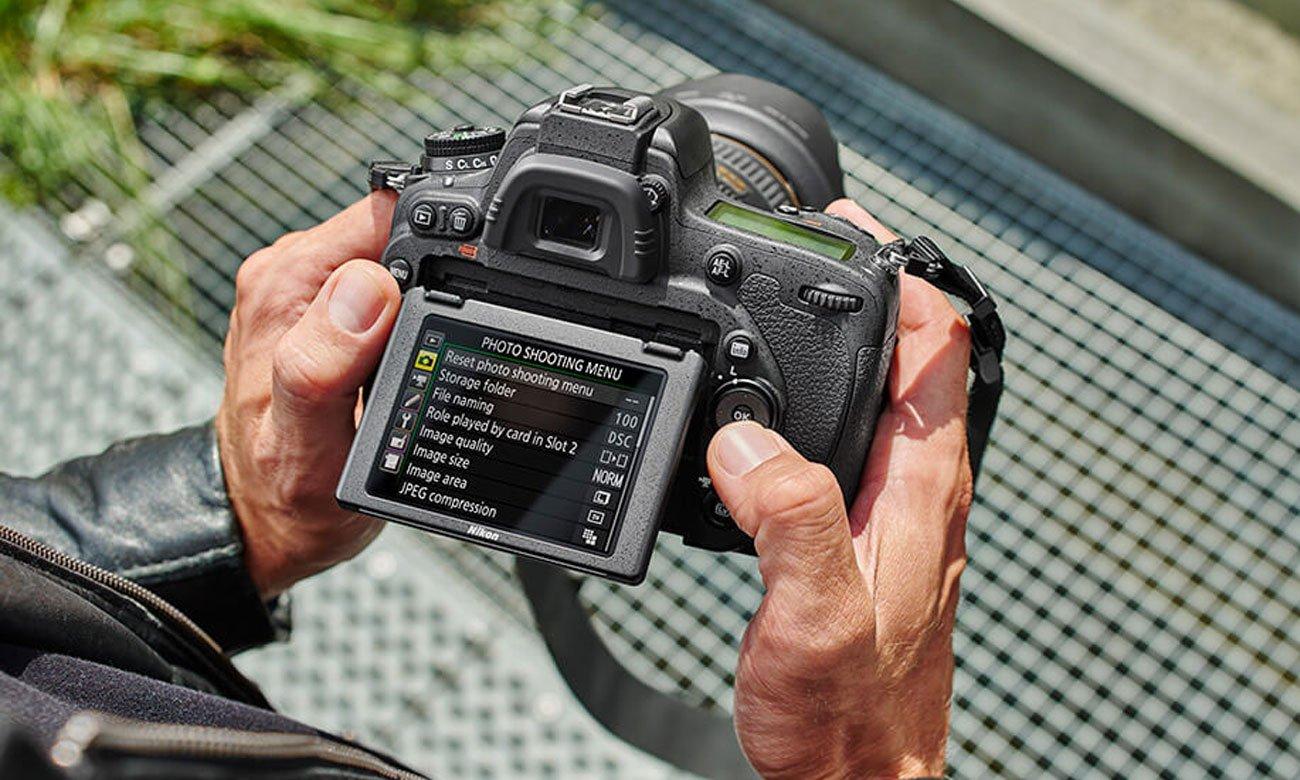 Nikon D750 body obsluga ruchomy ekran LCD