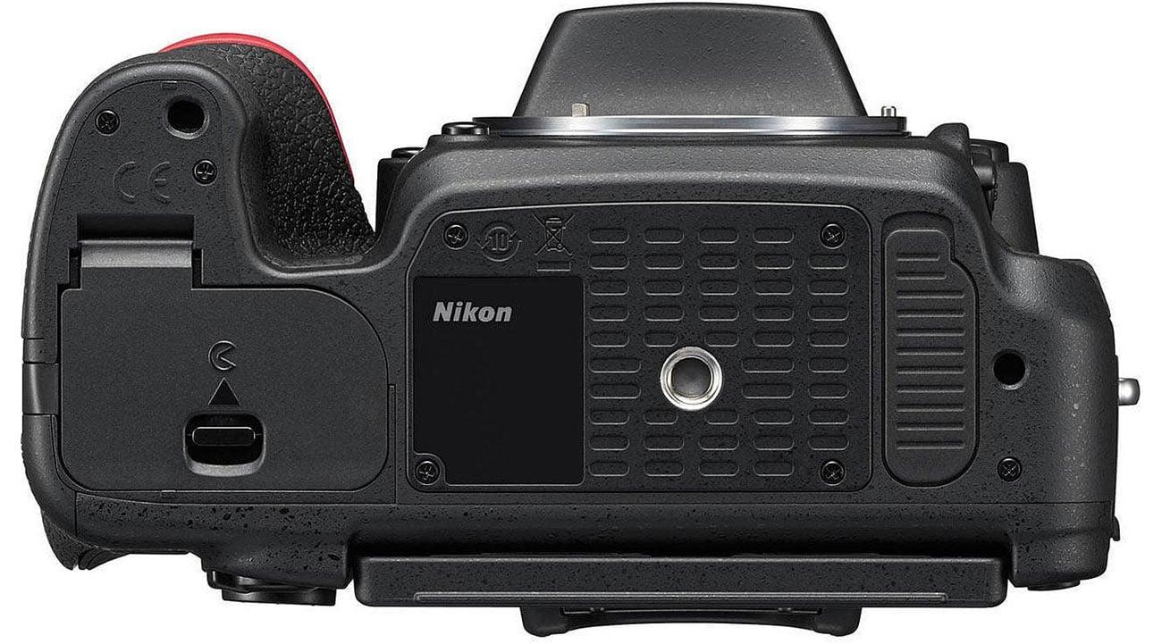 Nikon D750 body widok od spodu gwint