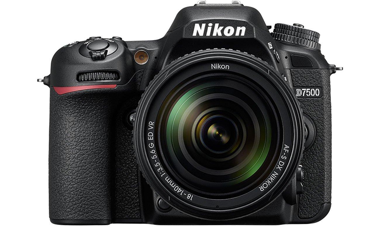 Nikon D7500 AF S DX 18 140 widok z przodu