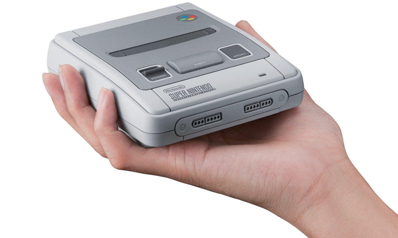 Wielkość konsoli Nintendo Classic Mini: SNES + 21 gier