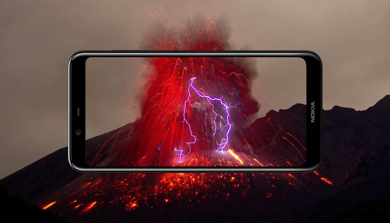 Nokia 5.1 Plus ekran panormaiczny 2,5D
