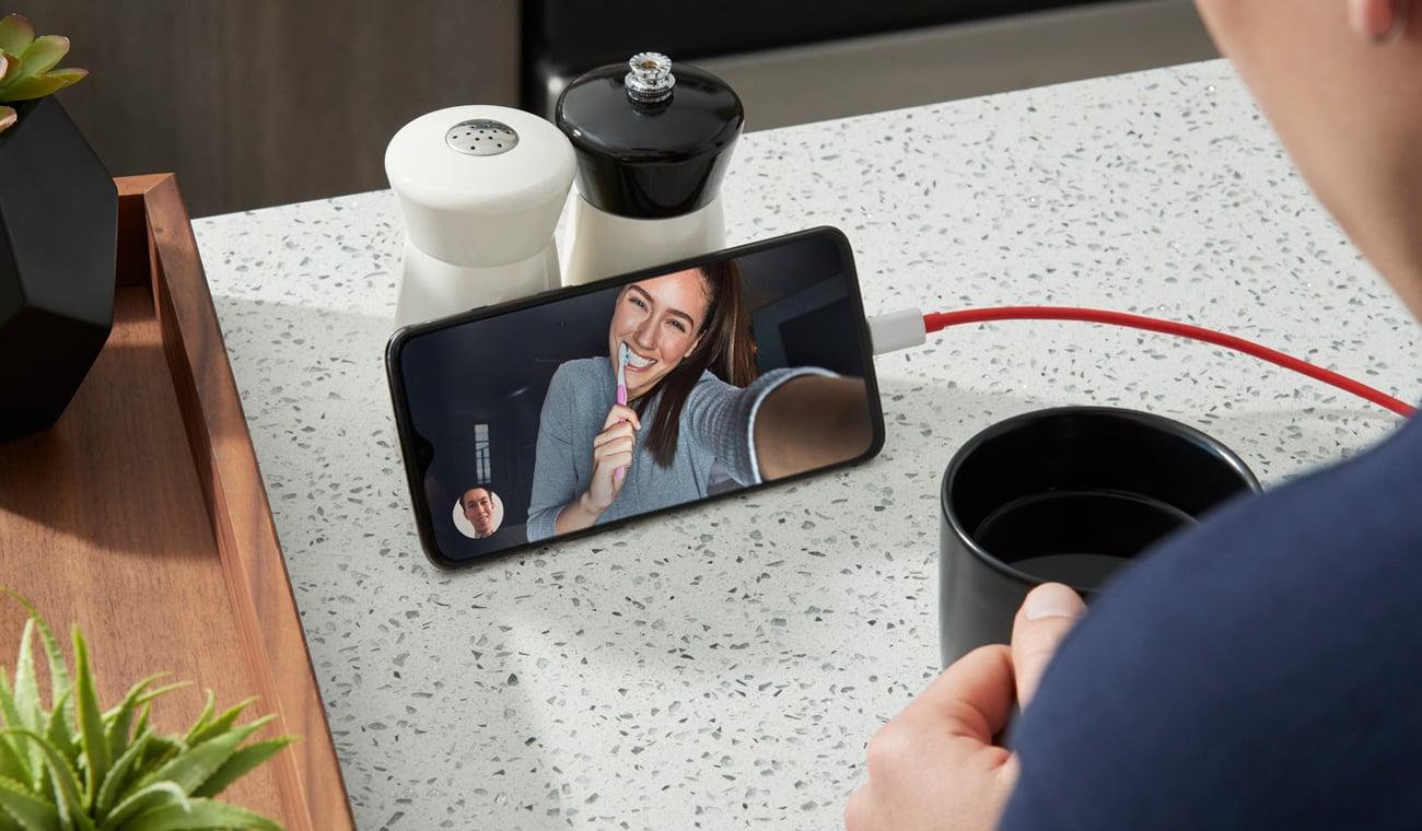 OnePlus 7 inteligentna technologia czytnik linii papilarnych