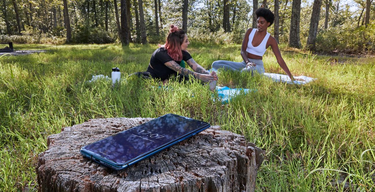 OnePlus 7T panoramiczny ekran 90 Hz