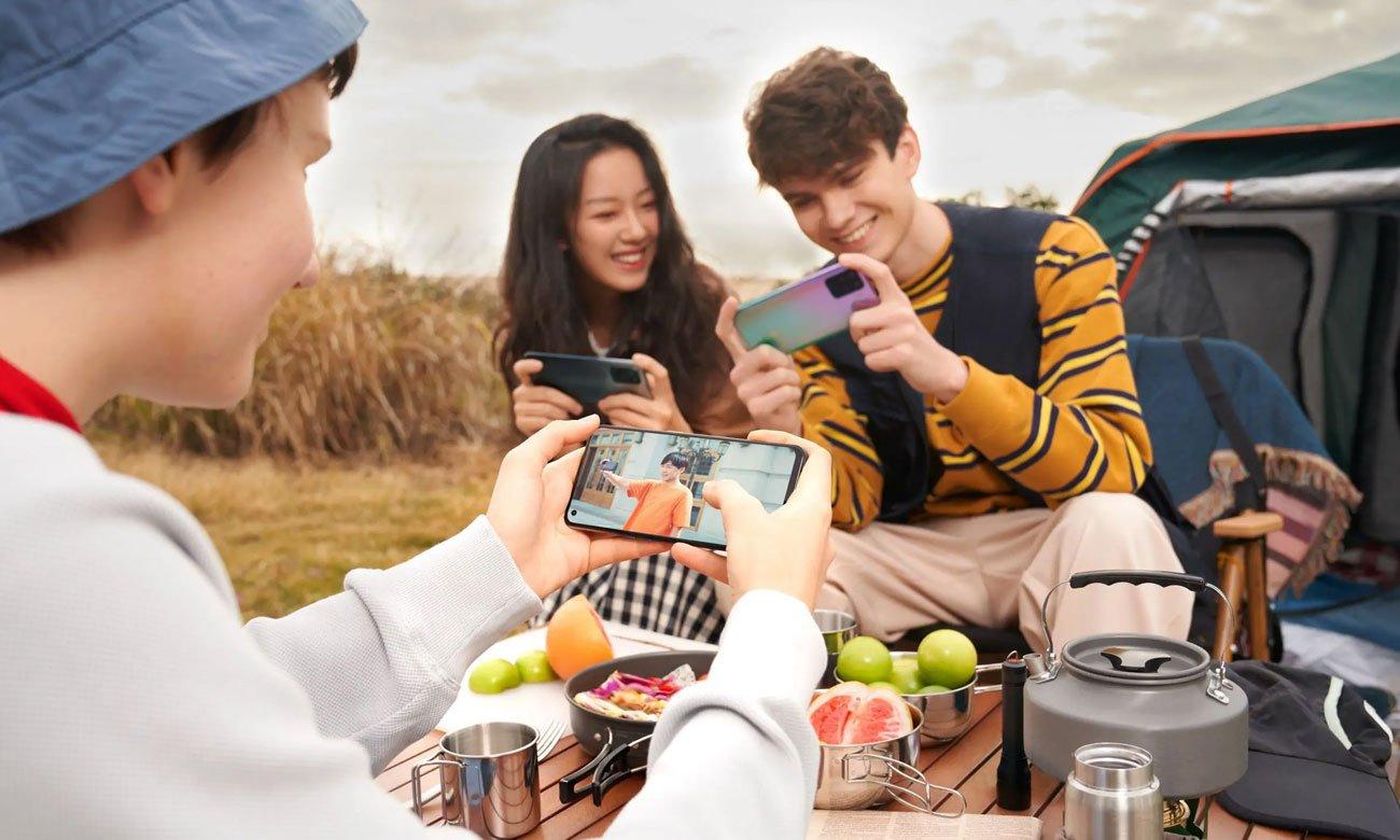 Smartfon OPPO Reno5 Lite ekran