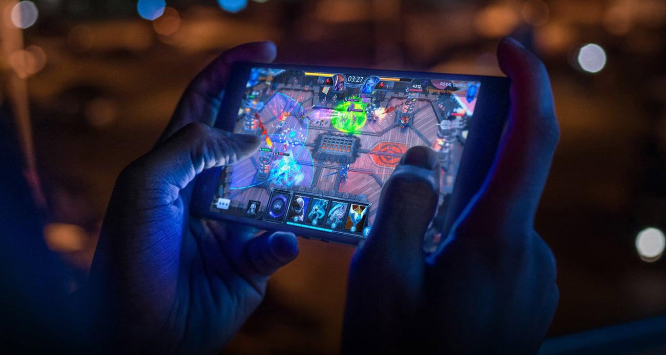 Razer Phone ośmiordzeniowy procesor Snapdragon 845 vapor