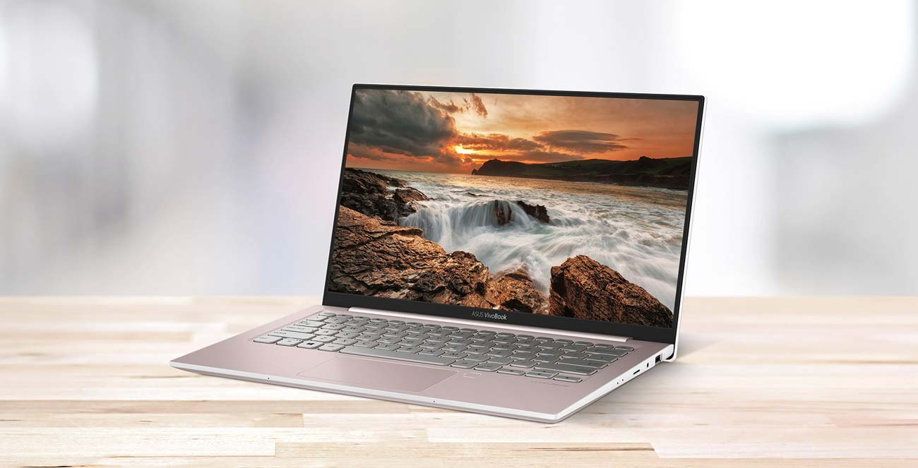 ASUS VivoBook S13 ekran nanoedge