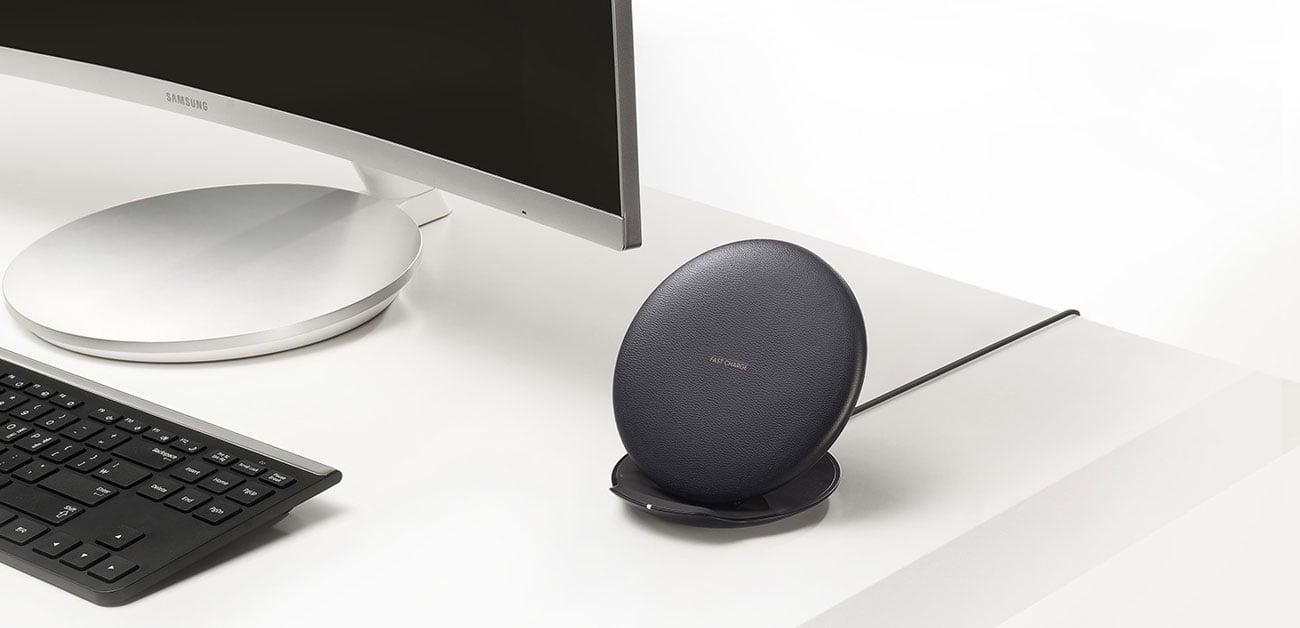 Składana ładowarka indukcyjna Samsung minimalistyczny design