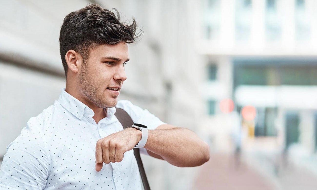 Samsung Galaxy Watch 4 Aluminium 44 mm Black LTE przydatne funkcje