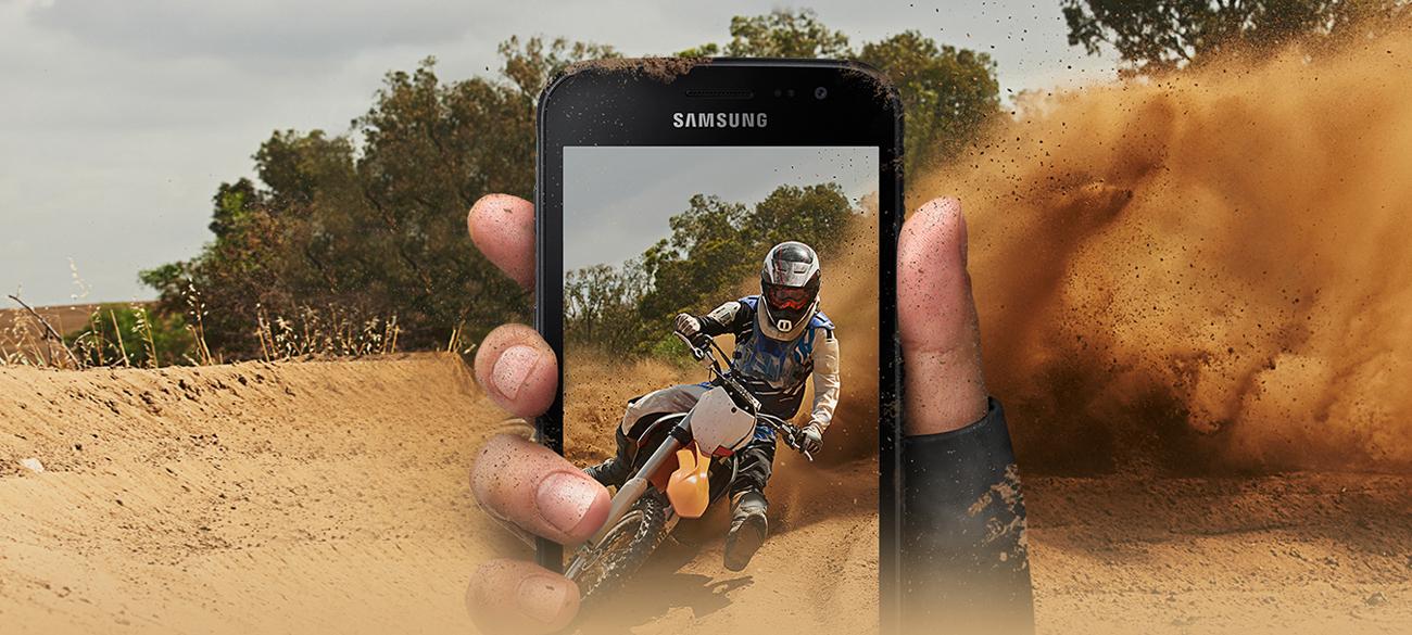 Samsung Galaxy XCover 4 Dark Silver odporny ekran 5'' HD zwiększona czułość dotyku