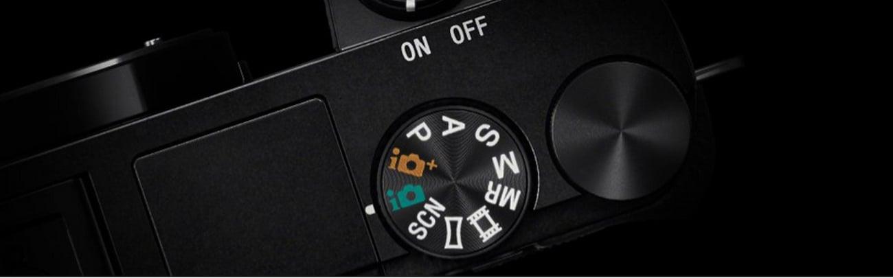 Sony ILCE-6000 + 16-50 mm Funkcje