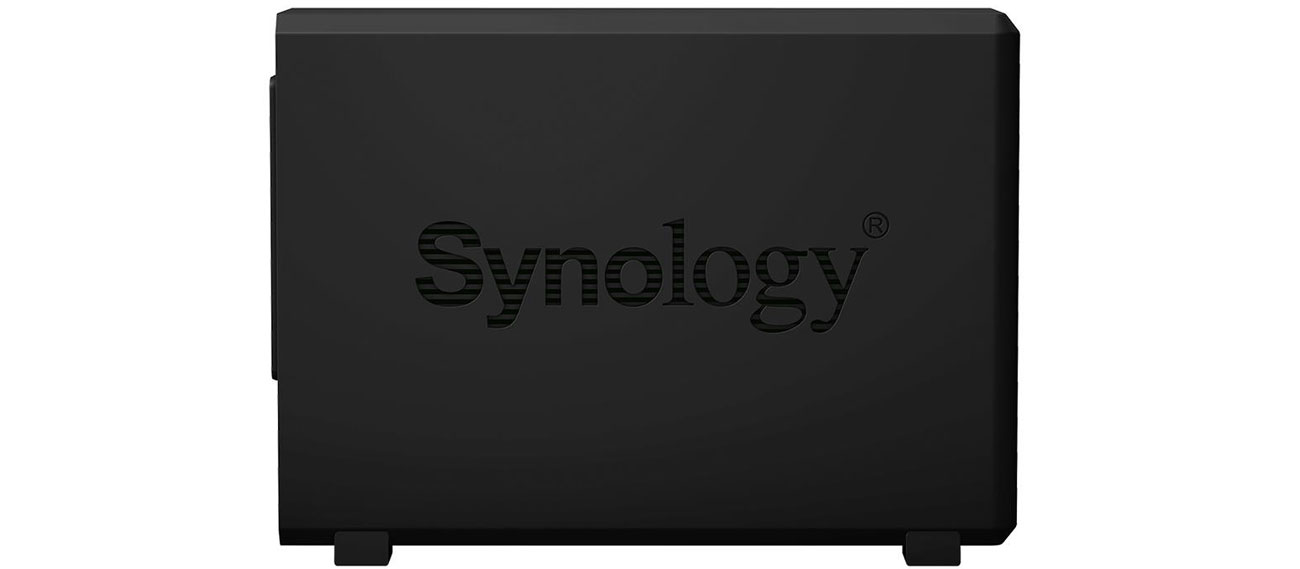 Synology DiskStation DS218play Widok Z Boku