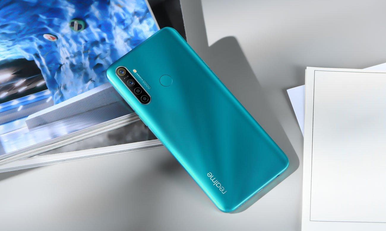 Smartfon niebieski Realme 5i